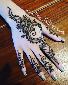 @MendhiHennaArtist Unique Mehndi Designs, Henna Designs Easy, Beautiful Mehndi Design, Arabic Mehndi Designs, Mehndi Images, Mehndi Designs For Hands, Henna Tattoo Designs, Henna Tattoos, Small Tattoo Designs