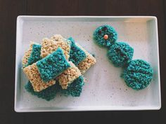 "No matter how much we try, we just can't seem to ""let it go"" we are still head over heels for Frozen! To satiate our overwhelming demand for all things Frozen all of the time, we decided to try out this Rice Krispie recipe. Of course, we loved it!"