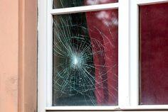 Glasbruch - Reparatur oder Tausch? #News #Schadenssanierung