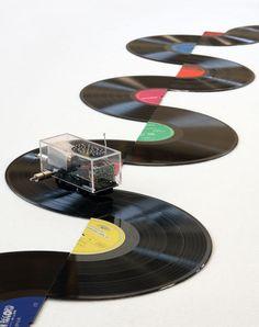 Lyota Yagi designed  vinyl records playable installation.