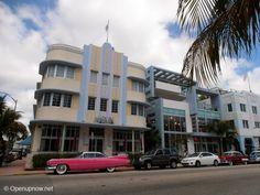 Collins Avenue in SoBe, Miami © http://travelwithmk.com