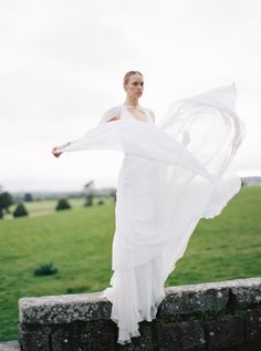Organic and minimalistic Wedding Inspiration we curated at Borris House - a premier Irish wedding venue. Exquisitely captured by fine art photographer Alice Ahn. Castle Wedding Inspiration, Elopement Inspiration, Wedding Designs, Wedding Styles, Irish Design, Irish Wedding, Green Wedding, Luxury Wedding, Twine