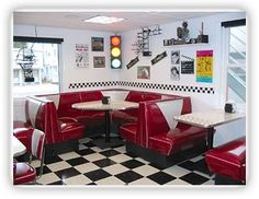 """Diners - find the great little book, """"Retro Diner, Comfort Food from the American Roadside,"""" by Linda Everett. Recipes for meat loaf, pot pie, fried chicken, patty melt, Montee Cristo, biscuits and gravy, apple strudel and rice pudding. No kidding they're healthy and fat free."""
