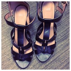 Comfy Black Strappy Wedges 👠😎 ☀️ Steal of a Deal Fun and comfortable, yet fashionable Strappy wedges. In excellent condition, only worn 2 times and still look brand new. Size 9.5, has an adjustable buckle on each side and is prefect for any outfit. Can be worn with a causal outfit yet great for a dressier occasion. Definitely a sexy shoe that looks adorable in any situation. Work, play, concerts...you name it. Reasonable offers accepted. Definitely a great buy that you don't want to miss…