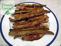 What's Cooking, Love?: Breaded Asparagus (eww) BUT need to try this with green beans! Baked Asparagus, Asparagus Recipe, Fish Recipes, Vegetable Recipes, Yummy Recipes, Yummy Snacks, Delicious Food, Eating Vegetables, Veggies
