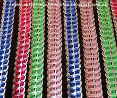 Con las anillas de las latas de refresco suelen hacerse todo tipos manualidades y abalorios: pulseras, collares, cinturones, lámparas.... Tab Curtains, Beaded Curtains, Pop Tab Crafts, Diy Crafts, Pop Top Crochet, Aluminum Recycling, Pop Can Tabs, Plastic Problems, Curtain Styles