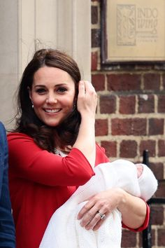 Kate Middleton Probably Didn't Get an Epidural, so Can Her Title Be Upgraded to Queen?