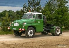 Tatra 138 Central Europe, Cool Trucks, Car Ins, Czech Republic, Motor Car, Cars And Motorcycles, Automobile, Monster Trucks, Classic