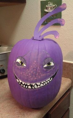 Monsters inc sully pumpkin just used some acrylic paint for Sully pumpkin template