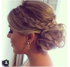 Great loose bridesmaid updo #updo #bridesmaidupdo