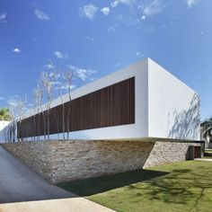 2 SN House by Studio Guilherme Torres