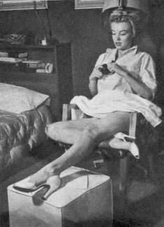 Marilyn Monroe 1951 by John Florea at the Beverly Carlton Hotel