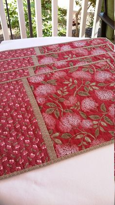 Handmade Quilted Floral Placemats Set of 4 Red and by djwquilts