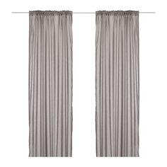 IKEA - VIVAN, Gardiner, 2 stk., , Gardinerne er perfekte at bruge sammen med andre gardiner, fordi de lukker dagslys ind, men samtidig lukker af for nysgerrige blikke.Gardinerne kan hænges på en gardinstang eller gardinskinne.Rynkebåndet gør det muligt at lave folder med RIKTIG gardinkroge.Du kan hænge gardinerne på en gardinstang ved at bruge de skjulte stropper eller med ringe og kroge.