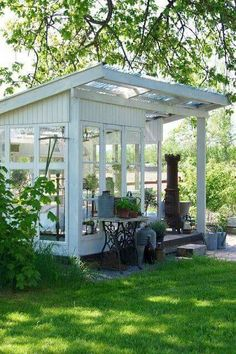 Are you planing make some a backyard shed? Here we present it to you 50 Best Stunning Backyard Storage Shed Design and Decor Ideas. Outdoor Rooms, Outdoor Gardens, Outdoor Living, Garden Buildings, Garden Structures, Outdoor Structures, Shed Design, Garden Design, Outdoor Projects