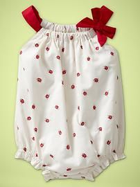 Oh my, this is too, too cute.  I love a pillowcase dress, and I love a romper.  There are tutorials for both on this page - all I need is red polka-dotted fabric and a tiny baby to sew for!