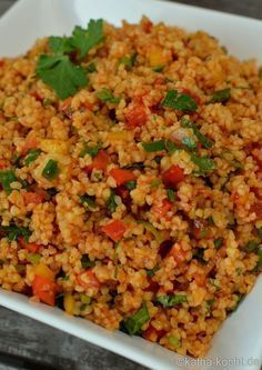 An uncomplicated recipe for a delicious bulgur salad. Savory and seasoned with paprika and parsley. But be careful – addictive! An uncomplicated recipe for a delicious bulgur salad. Savory and seasoned with paprika and parsley. But be careful – addictive! Cottage Cheese Salad, Bulgur Salad, Vegetarian Recipes, Healthy Recipes, Vegetable Recipes, Meat Recipes, Cooking Recipes, Seafood Salad, Easy Salads