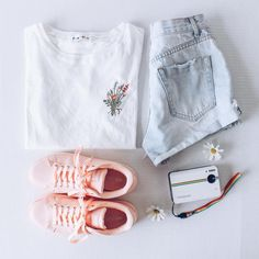 Fashion outfits, womens fashion, outfits for teens, girl outfits, casual . Teenage Outfits, Outfits For Teens, Girl Outfits, Fashion Outfits, Look Fashion, Teen Fashion, Korean Fashion, Womens Fashion, Outfit Des Tages