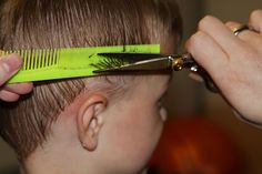 great tutorial for cutting boys hair -- maybe I can learn to cut my boyfriend's hair. He'd be happy.
