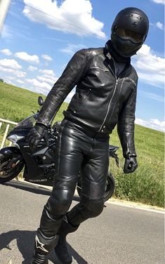 Mens Leather Pants, Biker Leather, Black Leather, Motorbike Leathers, Motorcycle Suit, Hot Cops, Oneplus Wallpapers, Guys, Bikers