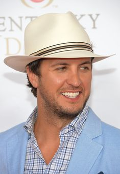 Luke Bryan Photos - Singer Luke Bryan celebrates the Kentucky Derby with Moet & Chandon at Churchill Downs on May 2013 in Louisville, Kentucky. - Moet & Chandon Toasts The Kentucky Derby - Day 2 Country Strong, Country Men, Country Life, Country Style, Country Music Stars, Country Music Singers, Kentucky Derby Outfit, Derby Outfits, Derby Day