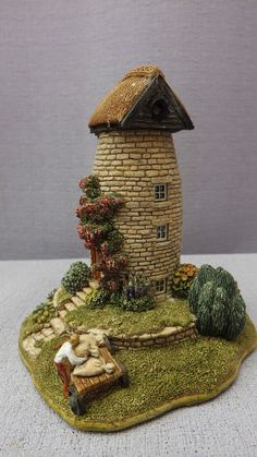 Vintage Lilliput Lane Cottages The Windmill Clay Fairy House, Fairy Garden Houses, Fairy Gardens, Little Cottages, Little Houses, Miniature Houses, Miniature Gardens, Garden Windmill, Clay Fairies