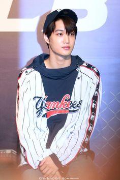180323 #Exo #Kai - MLB Hong Kong Store Event