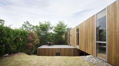 http://www.floornature.eu/uid-une-maison-entre-ciel-et-terre-a-fukuyama-8927/