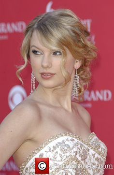 bridesmaid hair. This in the front is beautiful, or maybe I just wish I was Taylor swift.