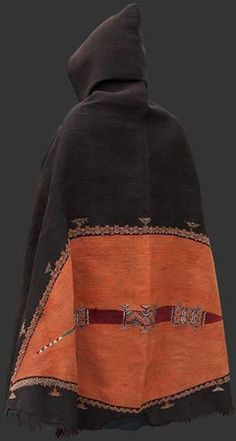 Cape with hood | Brown orange pattern weave | Ait Ouaouzguite Berber man's ceremonial mantle (akhnif), Jebel Siroua region, Morocco, 19th century