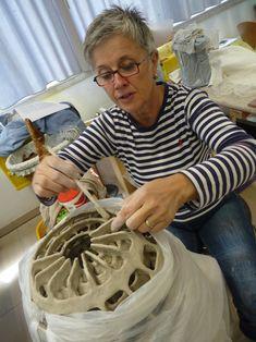 Pottery Kiln, Pottery Sculpture, Pottery Art, Ceramic Tools, Ceramic Clay, Ceramic Artists, Ceramic Techniques, Pottery Techniques, Organic Sculpture
