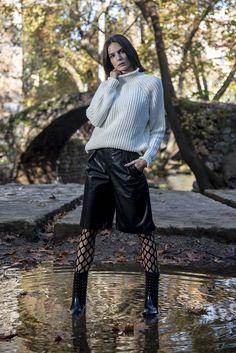 Πλεκτή μπλούζα ζιβαγκάκι σε εκρού χρώμα onesize Turtle Neck, Winter, Sweaters, Fashion, Winter Time, Moda, Fashion Styles, Pullover, Sweater