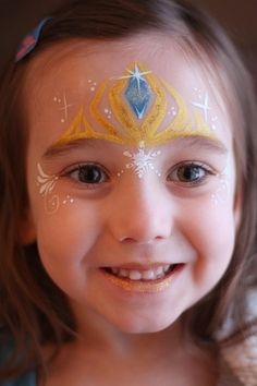 30 Cool Face Painting Ideas For Kids Elsa's Crown. Cool Face Painting Ideas For Kids, which transform the faces of little ones without requiring professional-quality painting skills. Disney Face Painting, Princess Face Painting, Christmas Face Painting, Girl Face Painting, Face Painting Designs, Paint Designs, Body Painting, Kids Face Painting Easy, Painting Tutorials