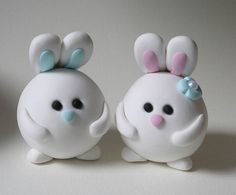 Conejitos, pareja - Round Bunny Wedding Cake Topper by fliepsiebieps1, via Flickr