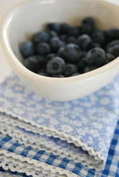 just a little blue Blueberry Farm, Blueberry Bushes, Love Blue, Blue And White, Harvest Farm, Beautiful Home Gardens, Wild Blueberries, Pink Grapefruit, Colorful Garden