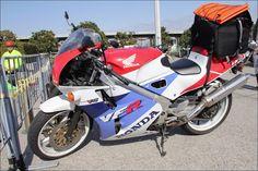 ROAD RIDER Street motorcycle in Japan - HONDA VFR400R