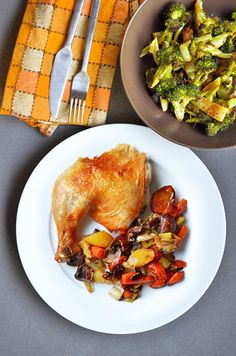 Breast or Thigh? You don't have to choose when you roast a whole chicken! By Michelle Tam http://nomnompaleo.com