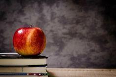 Kişisel gelişim kitapları, kişisel gelişim yazıları, kişisel gelişim hikayeleri, en çok satan kişisel gelişim kitapları - Kendini geliştirmek ve hayatında değişikler yapmak isteyip alışkanlıklarını terk edemeyenlere önemli ölçüde fayda sağlayacak olan kitapların başında kişisel gelişim kitapları gelmektedir. Son dönemlerde günden güne artan kişisel gelişim kitapları, okuyucu tarafından da büyük ilgi gören kitaplar arasındadır. Kişisel gelişim kitaplarının hangisinden başlayacağınıza karar…
