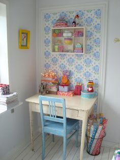 sweet sweet sweet – Home Office Wallpaper Deco Retro, Craft Corner, Kids Corner, Sewing Rooms, Space Crafts, Craft Space, Girl Room, Child's Room, Home Projects