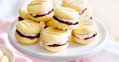For a simple sweet treat try thesedeliciousmelting moments with raspberry puree!
