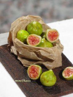 Dollhouse Miniature Figs on a Board, Dollhouse Figs, Dollhouse Fruit, Miniature Food in 1:12 scale by miniThaiss on Etsy