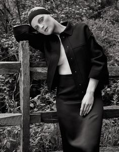 Guinevere van Seenus Is Black Beauty Lensed By Alexandra Nataf For The Edit July 13, 2017 — Anne of Carversville http://www.anneofcarversville.com/style-photos/2017/7/16/5jaim1js2pn4b9k2svmd6ieqouscb8