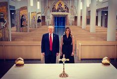 Startpagina / Twitter Bible Photos, St John Paul Ii, Saint John, The Omen, Donald And Melania, Trump Face, Creepy Photos, Morning Show, Pope Francis