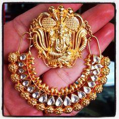 Stunning gold and kundan Ganpati chand balis at Talwar Jewellers New Delhi. Price on request.