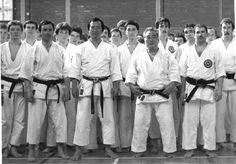 Kenpo Karate, Shotokan Karate, Karate Kata, Kyokushin, Chinese Martial Arts, Art Rules, Samurai, Chef Jackets, Masters