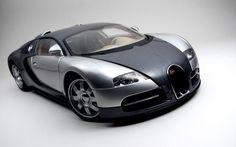 Chrome Bugatti Veyron Desktop Wallpaper