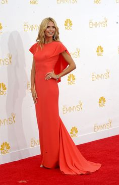 10 LOOKS QUE ARRASARAM NO EMMY 2014 http://superela.com/2014/08/27/10-looks-que-arrasaram-emmy-2014/
