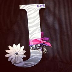 DIY Dorm Room Decorations- Personalized Wall Letter