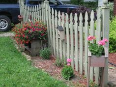 An idea…install one or two sections of a picket fence and plant a garden aroun… - Modern Outdoor Projects, Garden Projects, Outdoor Ideas, Backyard Ideas, Outdoor Spaces, Outdoor Living, Outdoor Decor, Garden Fencing, Lawn And Garden