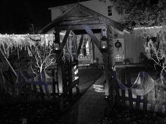 Google Image Result for http://www.halloweenforum.com/attachments/halloween-props/99631d1320203422-sharing-my-2011-yard-haunt-img_3959.jpg